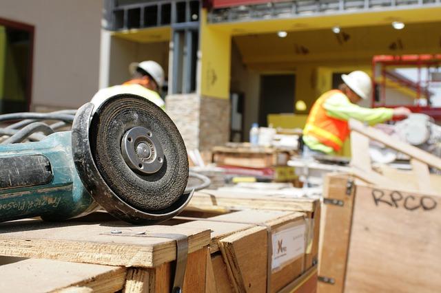 Plac budowy – zadanie zarządców i inwestorów